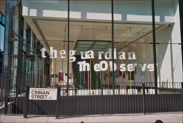 2012_09_15_Who's afrid of Julian Assagne_The Guardian headquarters