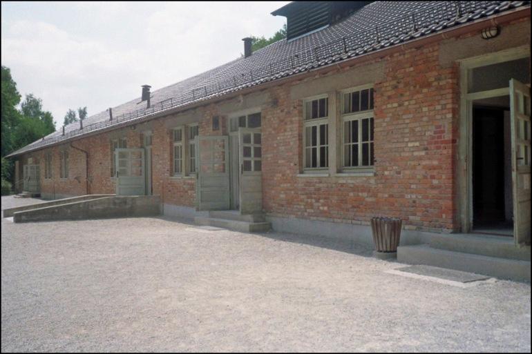 2013_03_22_Entrada bunkers Dachau